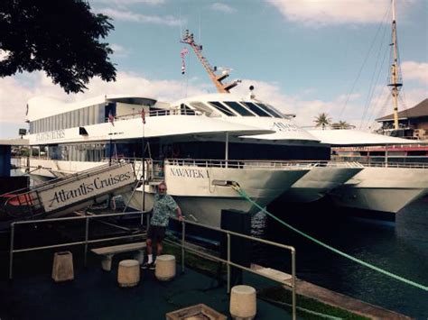 catamaran dinner cruise oahu things to do near ali i kai catamaran dinner cruise in