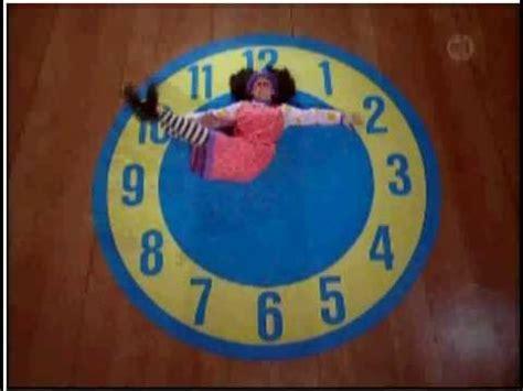 Big Comfy Clock Rug by Clock Rug Stretch