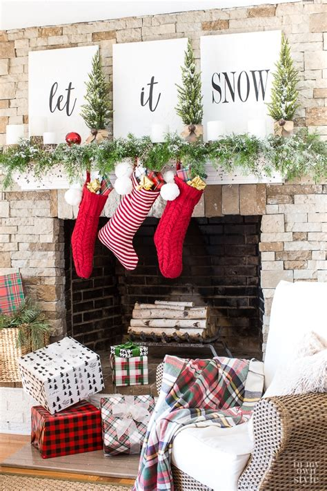 11 christmas house decorating styles 70 pics decor advisor christmas mantel decorating let it snow in my own style