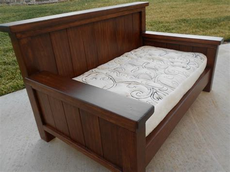 diy daybed plans best 25 wooden daybed ideas on pinterest sun lounger