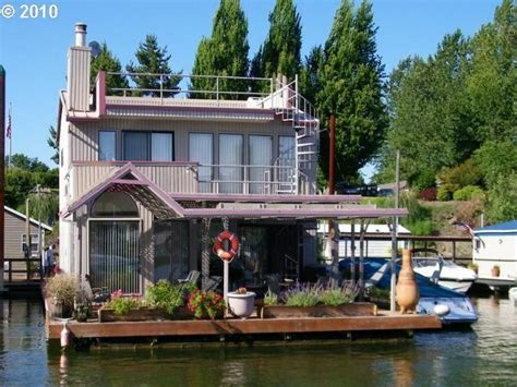 portland oregon houses for sale portland oregon floating homes floating homes pinterest photos for sale and boats