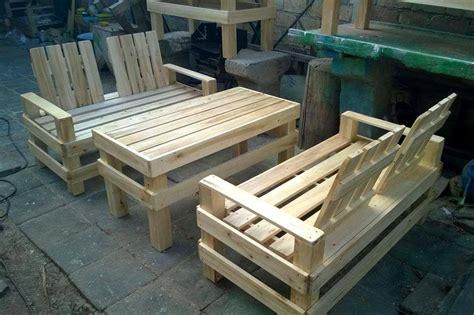 Skid Patio Furniture Wooden Pallet Patio Furniture Set 101 Pallets