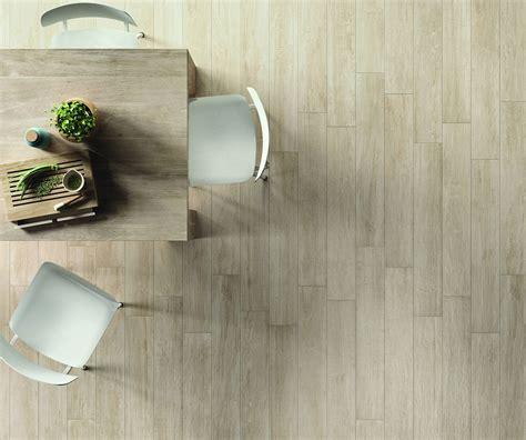 prezzo piastrelle gres porcellanato scegliere il pavimento della cucina effetto legno