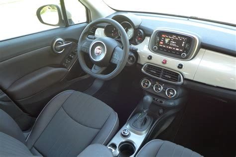 Fiat 500x Interior by 2016 Fiat 500x Lounge Fwd Gayot