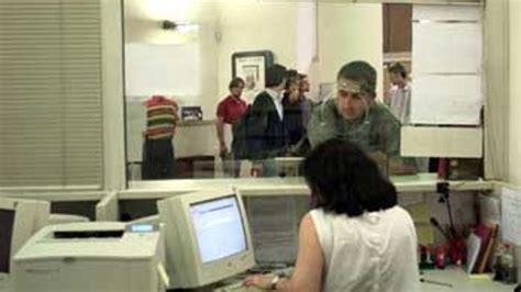 ufficio impiego modena centro per l impiego insegnanti in fila per i sussidi di