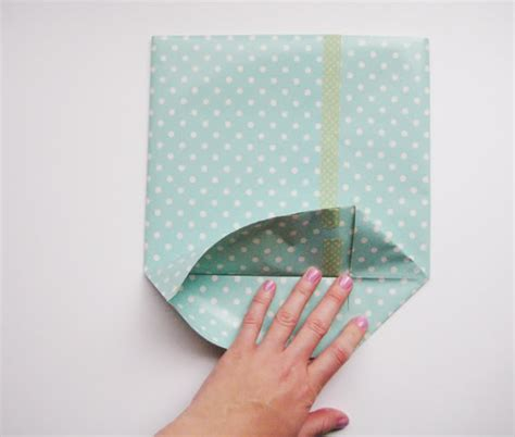 Folding Tissue Paper For Gift Bag - hello sandwich paper gift bag tutorial