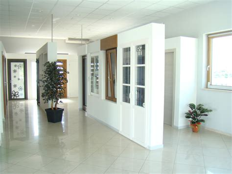 espositori per porte interne distribuzione creativa porte finestre