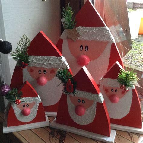 weihnachtsmaenner nikolaeuse aus holz weihnachten