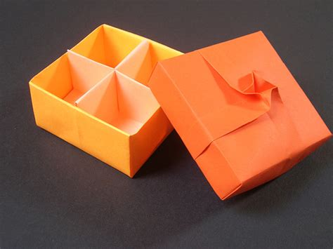 Origami Twist Box - masu twist square twist added on a traditional masu