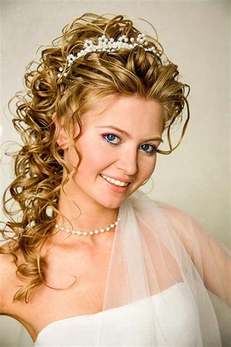 Hochzeitsfrisur Schulterlang by Brautfrisuren Mittellanges Haar Mit Diadem