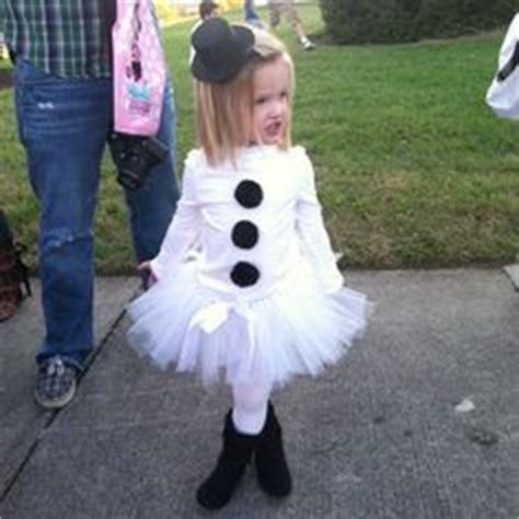 an olaf dress up costume to say quot awwww quot over ruffles and 1000 images about スノーマン snowman on pinterest snowman