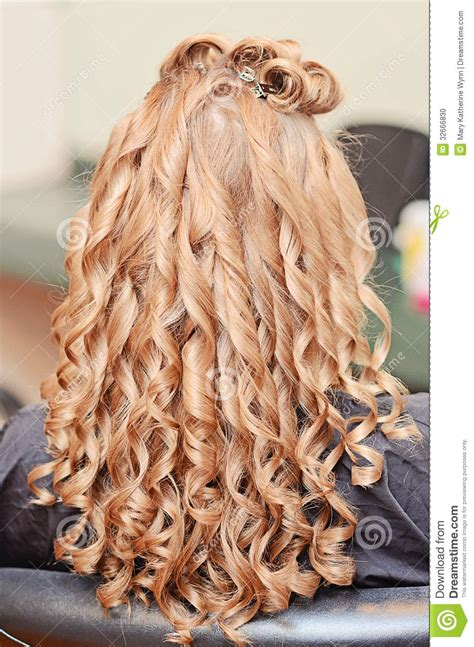 curly hair styles back view womens curly hair styling stock photo image 32666830