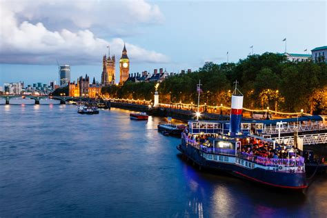 thames river events the 7 best ways to enjoy the river thames things to know
