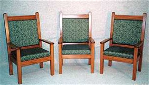 church supply :: pews : chairs : pulpit : baptismal