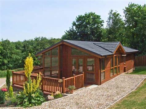 Log Cabins In Gloucestershire by Elm Lodge Glasshouse Near Gloucester Logcabinholidays