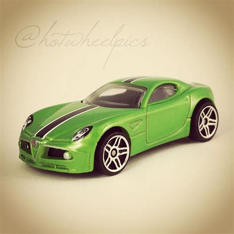 Diecast Wheels Alfa Romeo 8c Competizione Merah 5 car gift packs 2016 by hotwheelpics 10 cars and