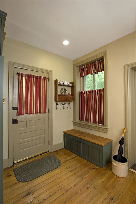 Chic Doormat mode Philadelphia Victorian Entry Decorating