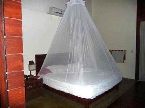 fliegennetz bett bett mit moskitonetz bild pleasant view resort