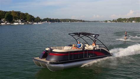 bennington pontoon boats youtube 2017 bennington luxury pontoon boats youtube