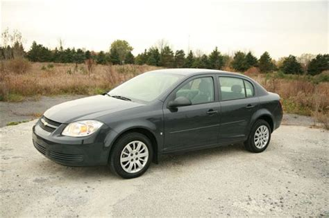 day by day review 2009 chevrolet cobalt ls xfe autos ca