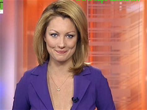 bloomberg news anchor women sexy meet the women of bloomberg tv business insider