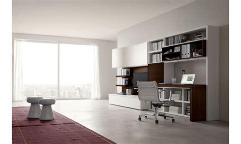 pareti attrezzate con scrivania la zona office nel living da napol mobili