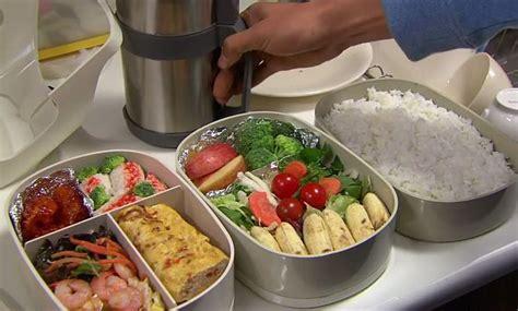 Tupperware Untuk Piknik bekal makanan praktis saat rental mobil semarang