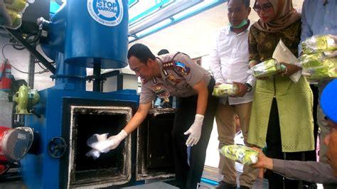 Bio Di Medan polrestabes medan musnahkan 11 kg sabu dan 140 kg ganja