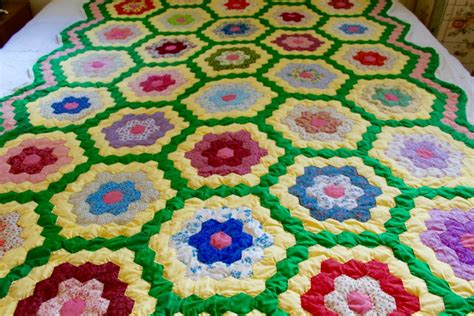 Grandmother S Flower Garden Quilt Pattern Yellow And Green Grandmother S Flower Garden Quilt