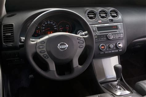 2009 nissan altima overview