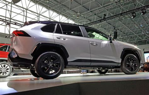 Toyota Rav 4 New by 2019 Toyota Rav4 Grows Up With More Style New Powertrains