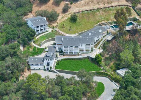 Gwen Stefani Pays 15 Million For Mansion by Calvin Harris Purchased This 15 Million Beverly Mansion