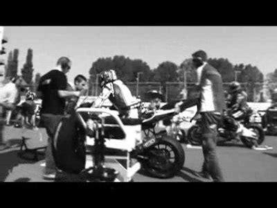 Aufkleber Vom Motorrad Entfernen by Aufkleber Ab Suzuki Alstare Team Entfernt Aufkleber Vom