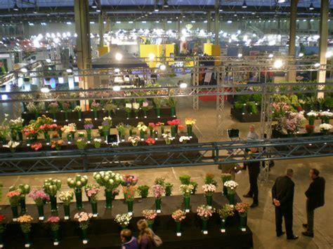 mercato fiori napoli flora 2011 oltre la vetrina il mercato dei fiori di