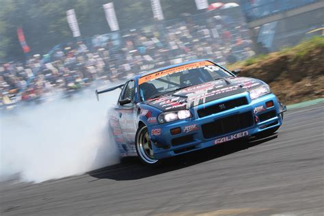 nissan skyline drift wallpaper cars drift nissan nissan skyline gtr r34 3888x2592