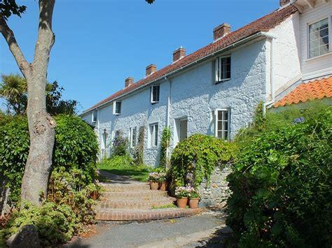 guernsey cottage dscf2821