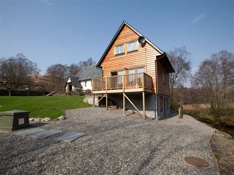 Loch Lomond Log Cabins With Tubs log cabin with tub and wood homeaway arrochar