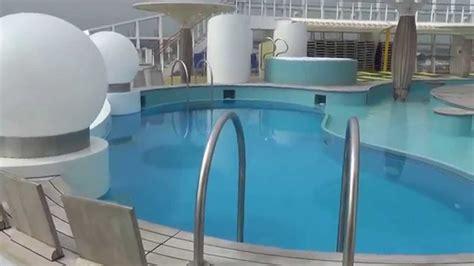 aidaprima innenpool aidabella hamburg hafen neues terminal schwimmbad pool