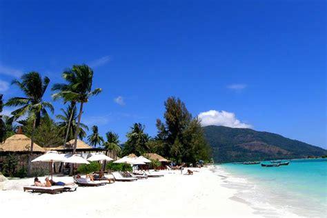 White Twin Beds The Breeze Hotel An Idyllic Lipe Island Hotel Getaway