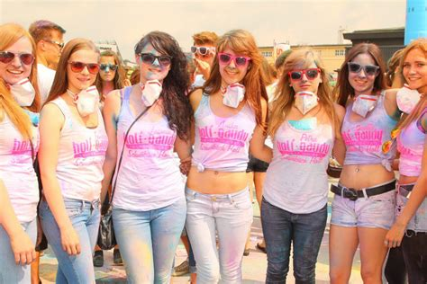 t shirt festival dresden holi festival tour 2017 holi gaudy colour your day
