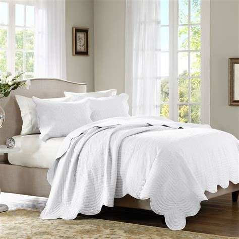Clarin House White Bedcover Set King Size white matelasse 3pc coverlet set