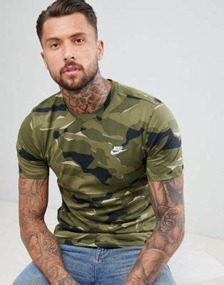 nike nike t shirt in camo print in green aj6631 209