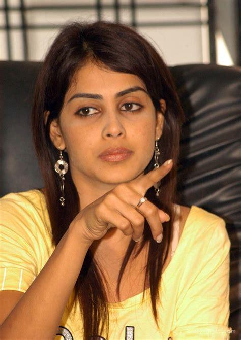 actor genelia photos download actress genelia wallpapers 64 wallpapers adorable