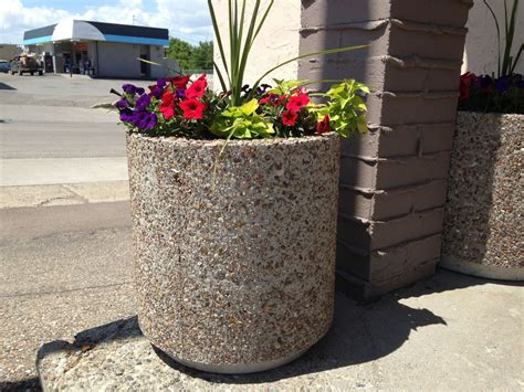 Trash Can Planter by The Fagenstrom Co Planters And Garbage Cans Great