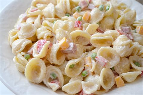 pasta salad with spaghetti noodles quick easy creamy pasta salad amy latta creations
