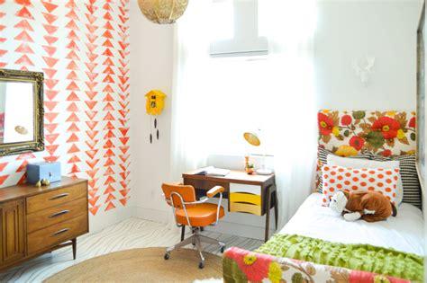 Orange Yellow Bedroom by Ivie S Yellow And Orange Bedroom Makeover Vintage Revivals