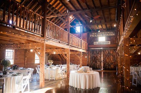 charming  england barn venues   rustic chic
