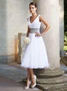 Brautkleid Kurz by Die Besten 17 Ideen Zu Kurze Hochzeitskleider Auf