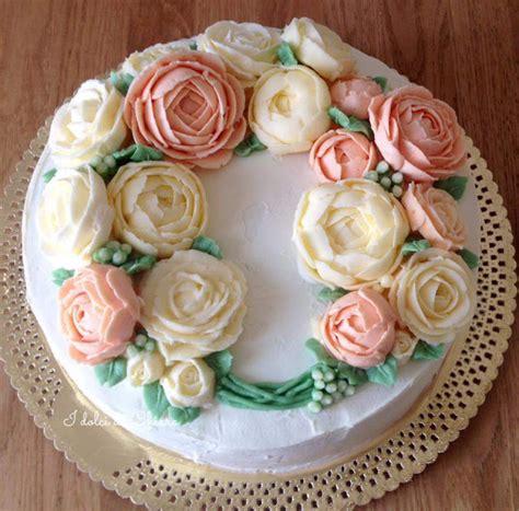 torte decorate con panna e fiori la pasticceria moderna torte decorate con fiori di