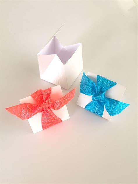Kotak Jeruk Imlek Bunga Bunga Kotak Hadiah Kotak Oleh Oleh Imlek Murah gambar kreatif daun bunga perayaan hadiah dekorasi pola liburan kotak menyajikan